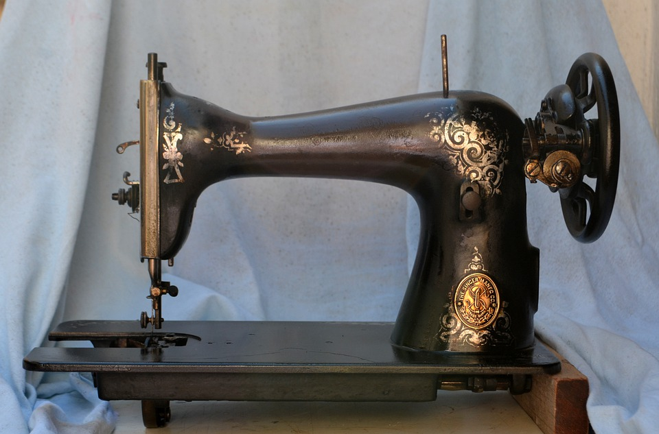 The Sewing Machine: The History And Development