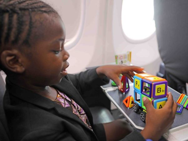 7 Tips for Keeping Kids Content on a Flight