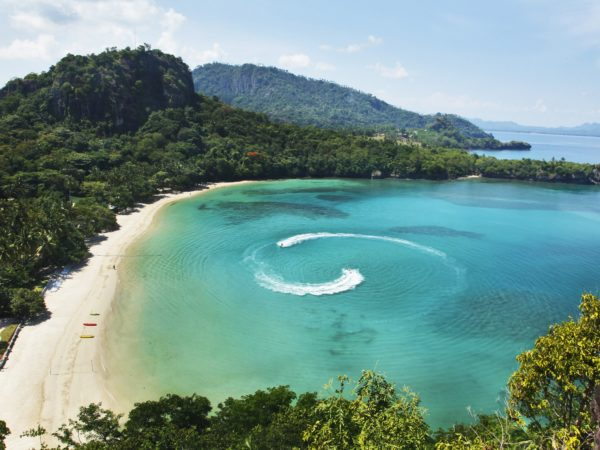 Great Scuba Diving and Snorkeling Sites in and Around the Philippines